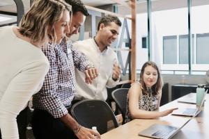 prednosti manjše digitalne agencije